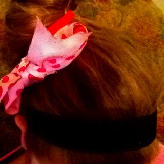 Cami's hair~Bun,Pink Bow,Black Hair Band!:)
