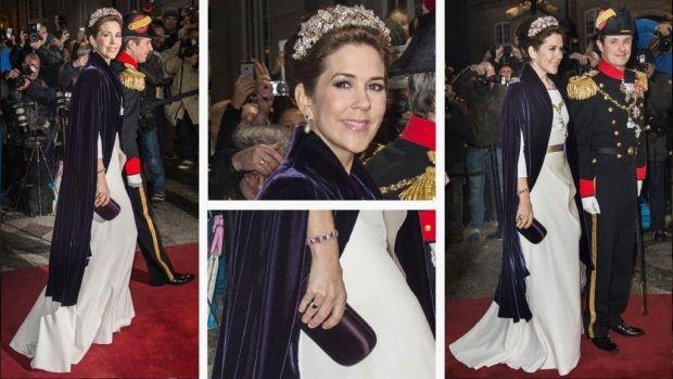 Kronprinsesse Marys royale garderobe er fyldt med fantastiske gallakjoler, smykker, sko, festtasker og accessories. Vi har lavet et galleri, hvor vi ser nærmere på kronprinsessens glamourøse stil i 2015.