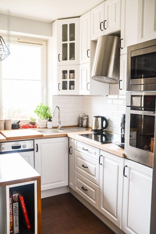 Mała Kuchnia W Bloku Białe Fronty Drewniany Blat Kafelki