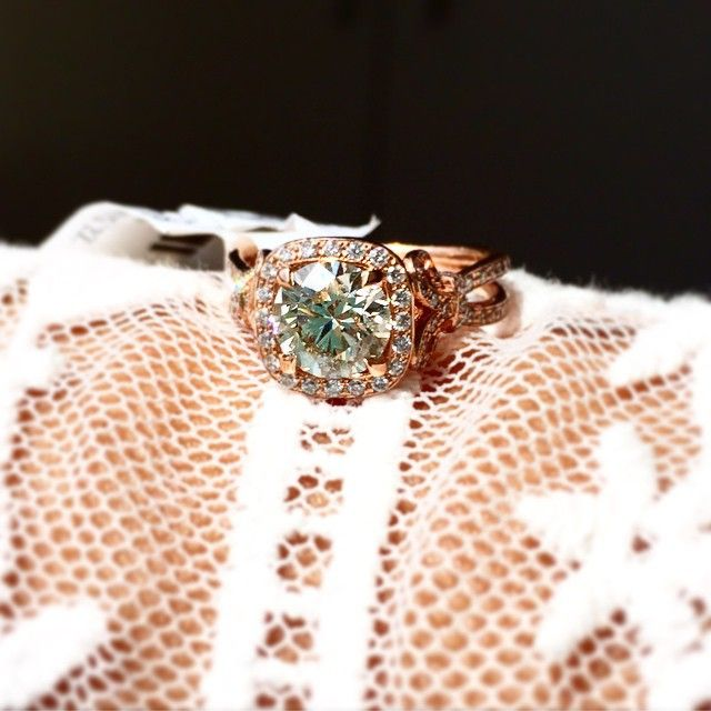 Www Bridalrings Com Beautiful And Stunning Wedding And Engagement Rings Located In The Heart Of Dow Wedding Rings Engagement Jewelry District Engagement Rings