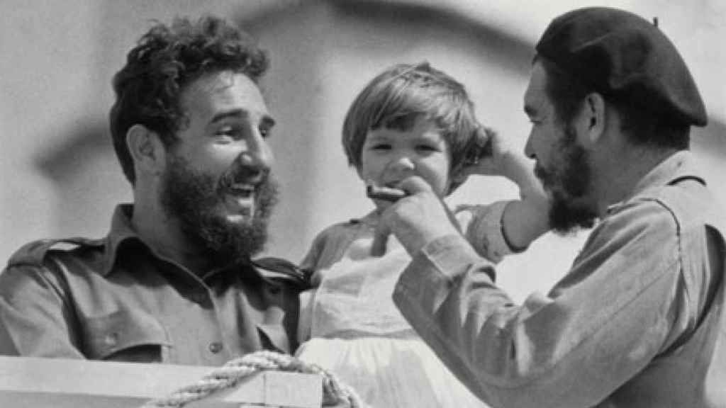 Fidel Castro, Che Guevara and a baby che guevara Pinterest - second hand küche