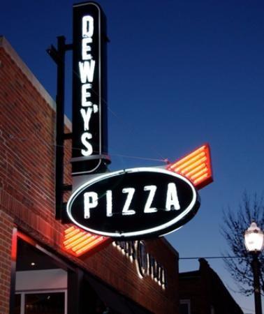 Dewey S Pizza Restaurant Ideas Dine St Louis