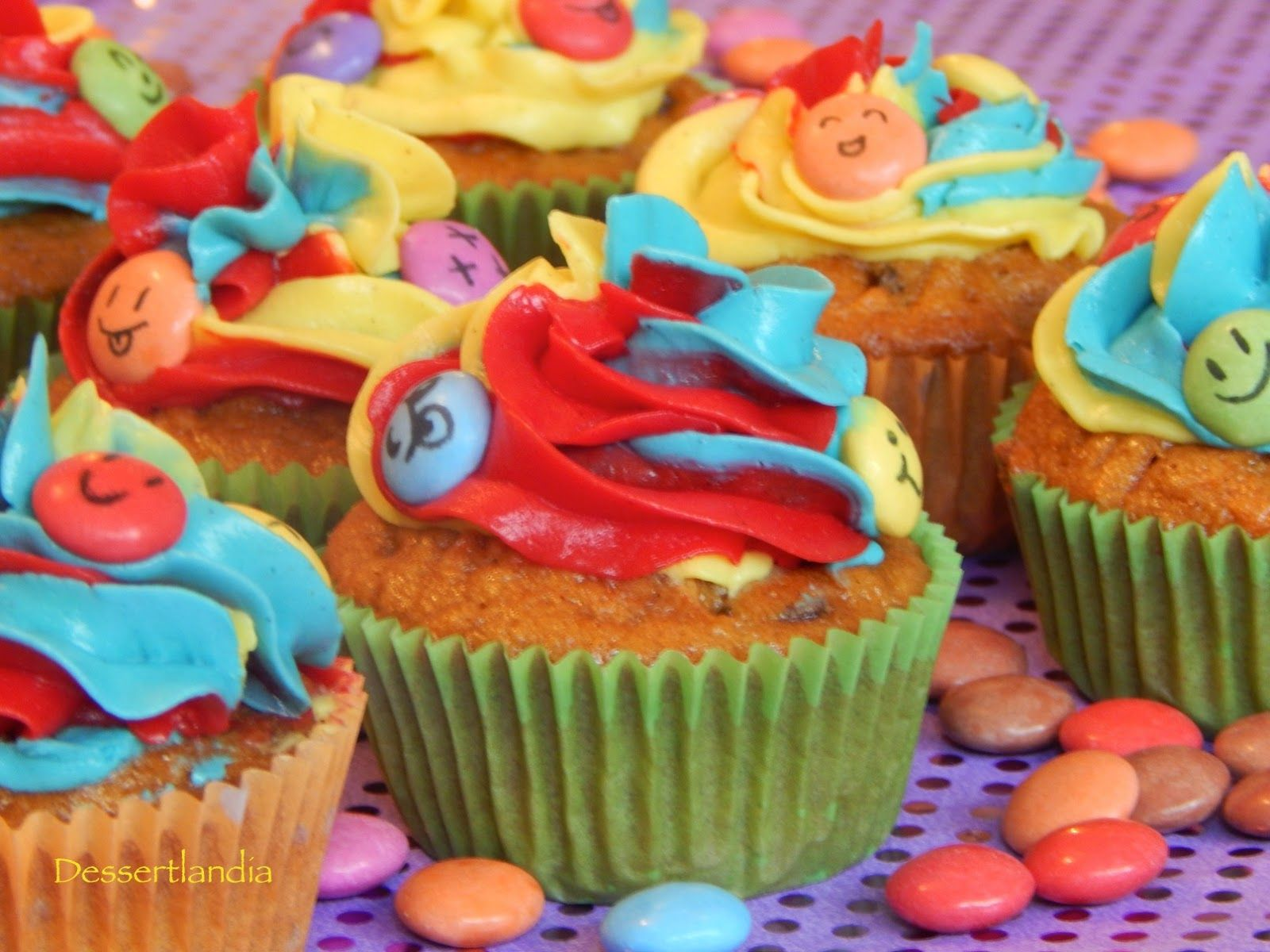 Dessertlandia: Smarties Party!! Carrot Cake Cupcakes in their fun outfits!