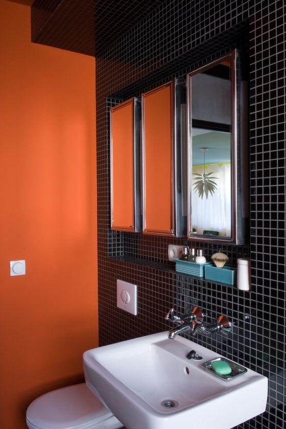 The Hansaviertel Project Orange Bathrooms Bathroom Design Black Bathroom Colors
