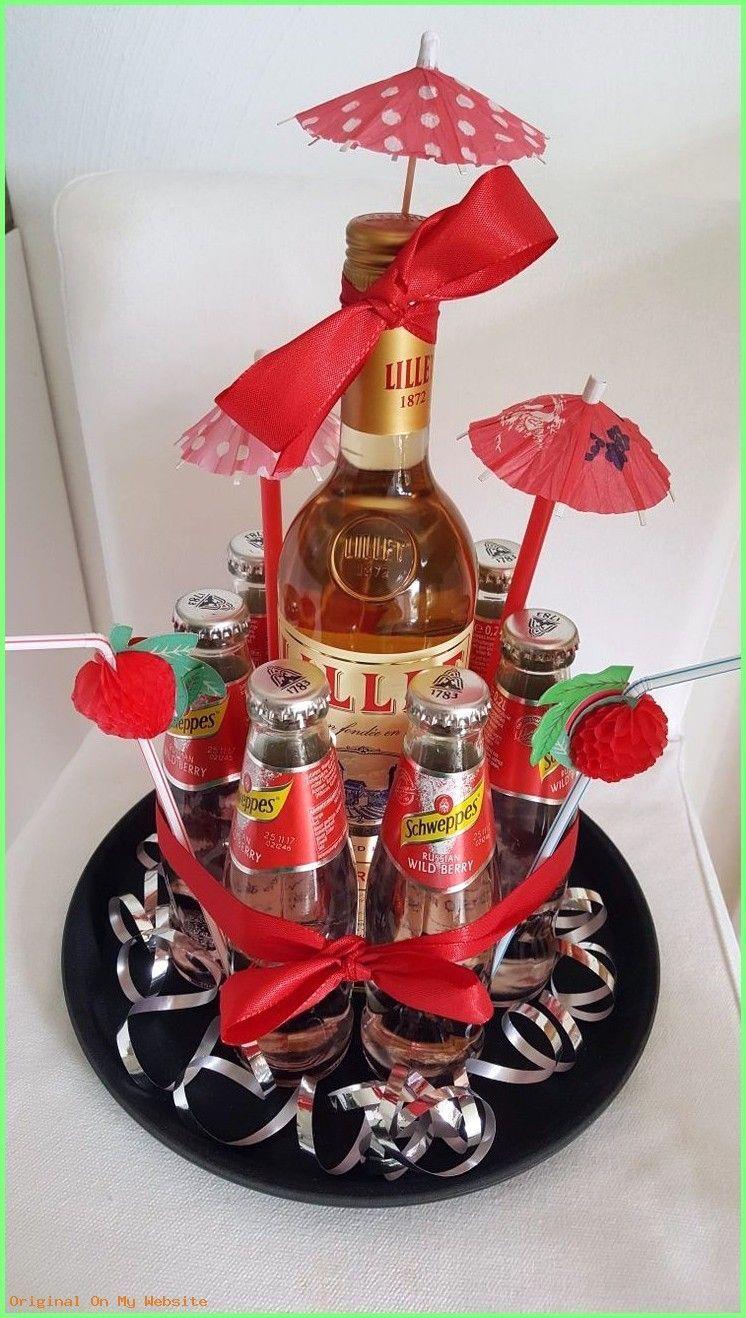 Geschenkverpackung - Lillet Wild Berry Geburtstagsgeschenk - #Geschenkverpackung #Geschenke .... #geschenkeverpacken