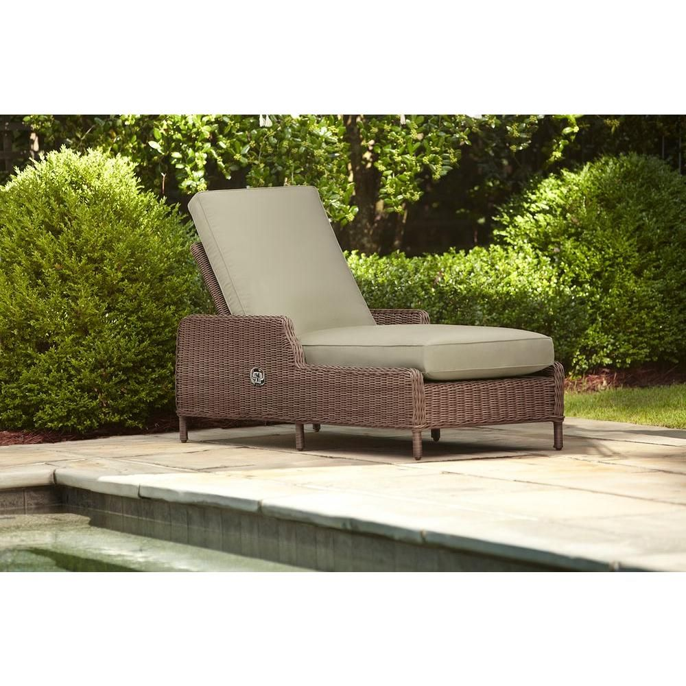 Brown Jordan Vineyard Patio Chaise Lounge With Meadow Cushions    Stock