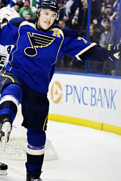 Pin By Mac Ferriell On Osh And Molina My Fave Players Hot Hockey Players St Louis Blues Hockey Baby