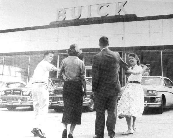 Buick Dealership BOATS Vintage Car Dealerships Pinterest - Buick auto dealers