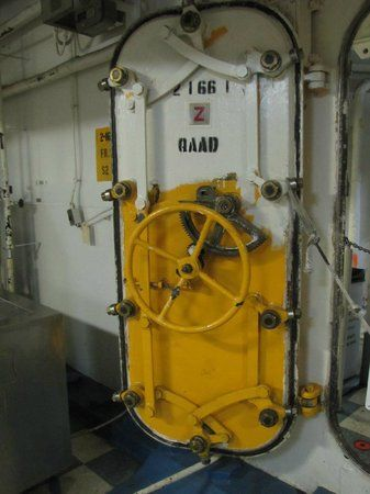 battle ship door - Google Search & battle ship door - Google Search | post apocalyptic / Door ...