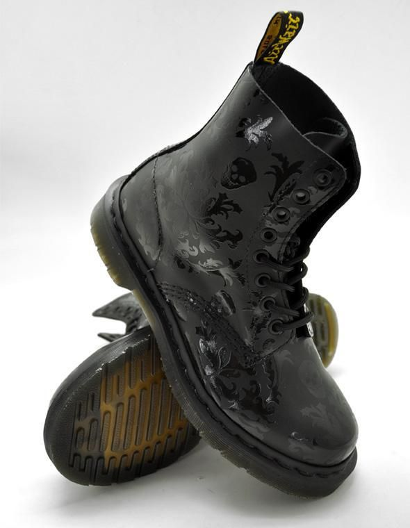 Chaussures Dr Martens Boots 8T Cassidy Black/Black