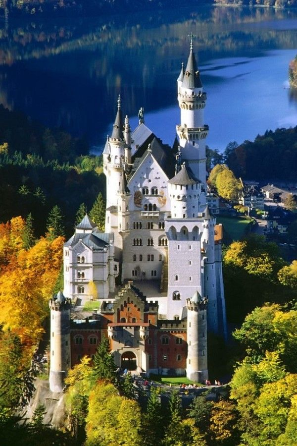 Emmy De Neuschwanstein Castle Bavaria Germany Beautiful Castles Germany Castles Neuschwanstein Castle