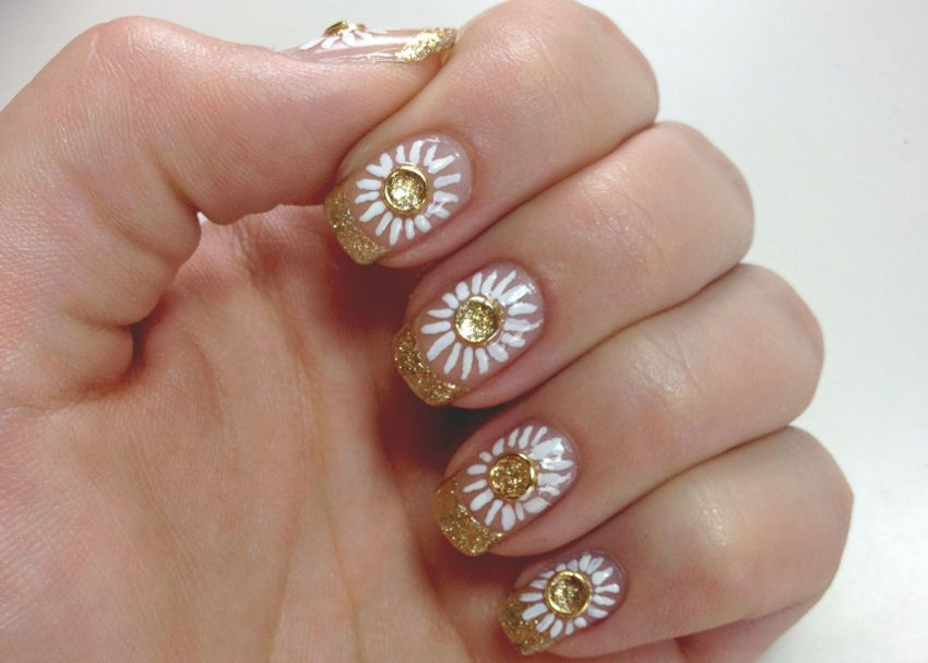 Nail Art 101 Wanna Learn How To Do Zooey Deschanels Nail From The