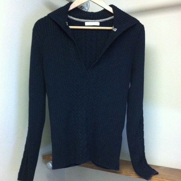Old Navy Hooded V-Neck Sweater Black knit, medium weight, hooded ...