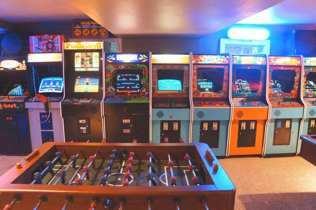 Father Son Build Insanely Impressive Retro 80s Arcade In Basement
