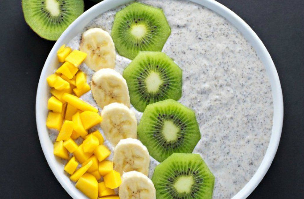 Looking for a chia seed recipe? This chia seed breakfast bowl is the perfect vegan and gluten-free breakfast.