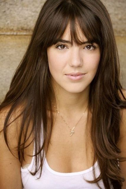 Best Haircuts With Bangs For Round Faces