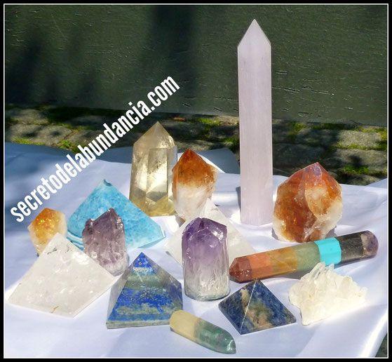 https://www.secretodelabundancia.com/amuletos-talismanes/cristales-de-cuarzo/ cristales de cuarzo, piedras energéticas, cuarzos naturales auténticos, amatista, citrino, cuarzo blanco, cuarzo rosa, fluorita, lapislázuli, cuarzo ahumado, ágata, jade, jaspe, unakita, kianita, angelita