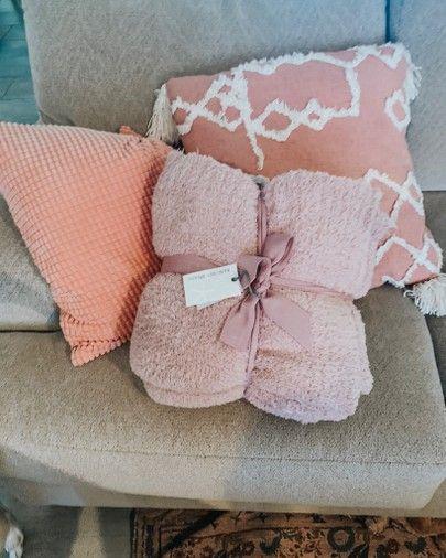 BEST blanket ever!! #blanket #homedecor