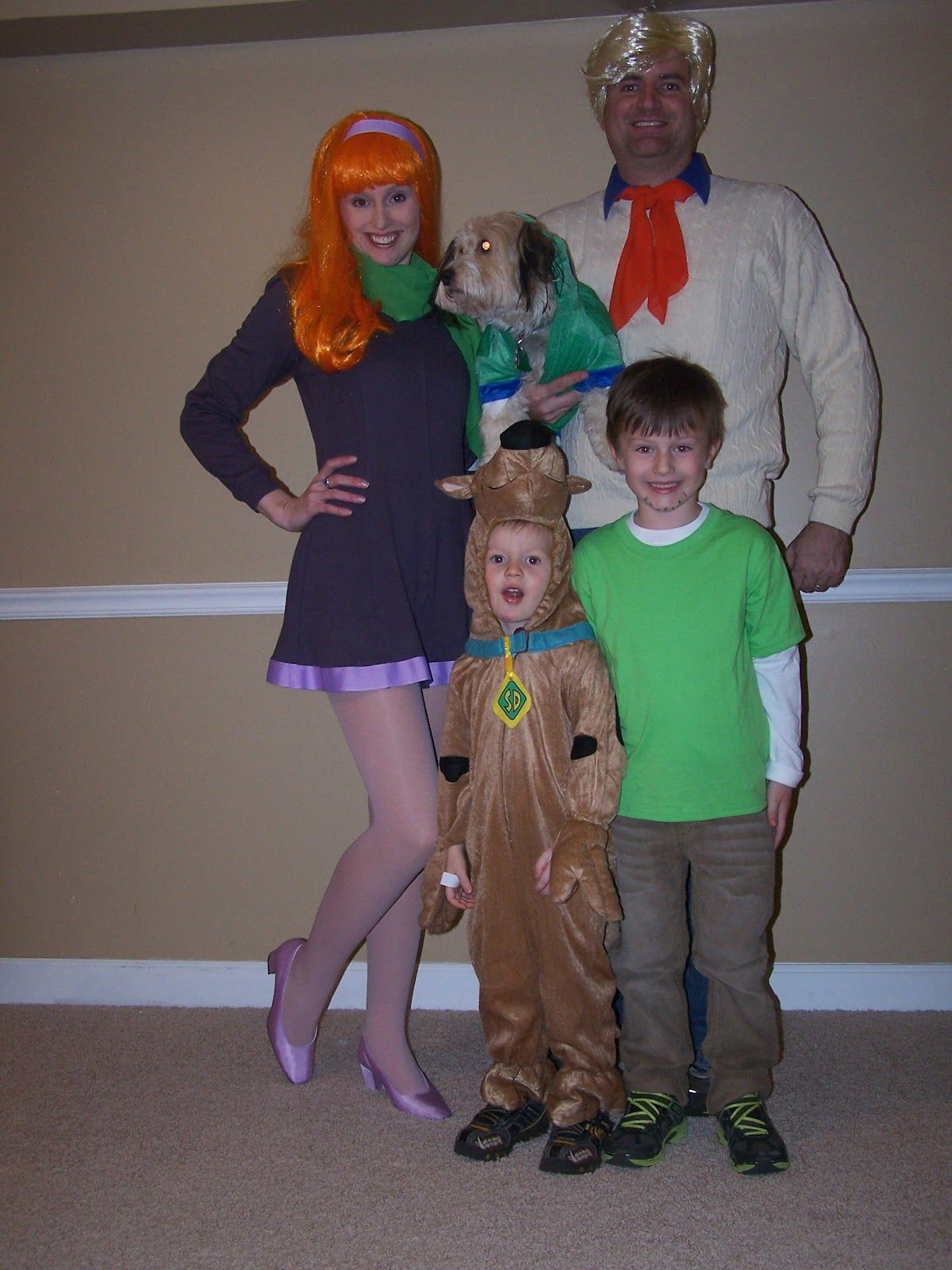 Family group Halloween costumes: Scooby Doo Gang - Mystery Inc ...