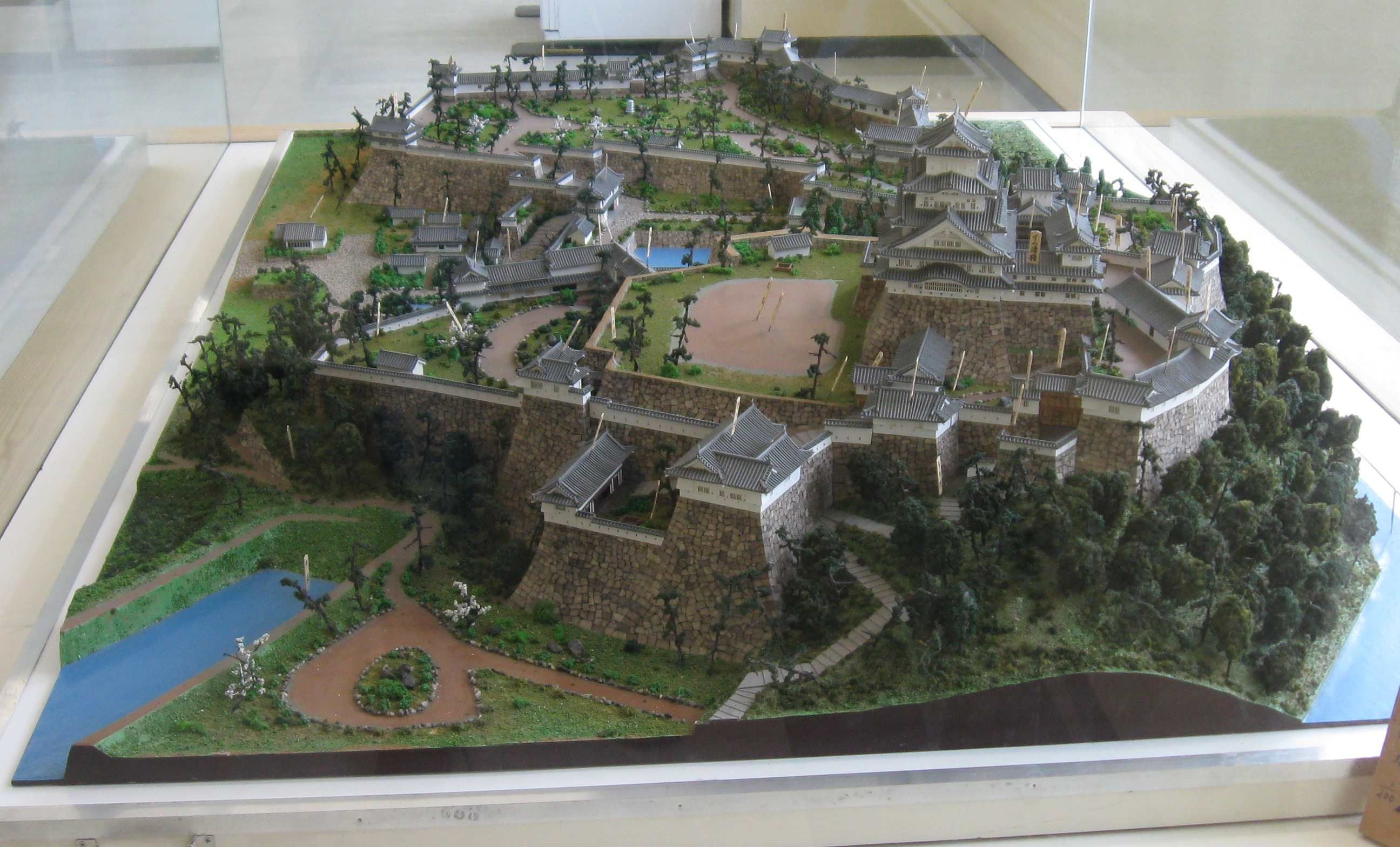 large image of japanese castle diorama | project ideas: diorama