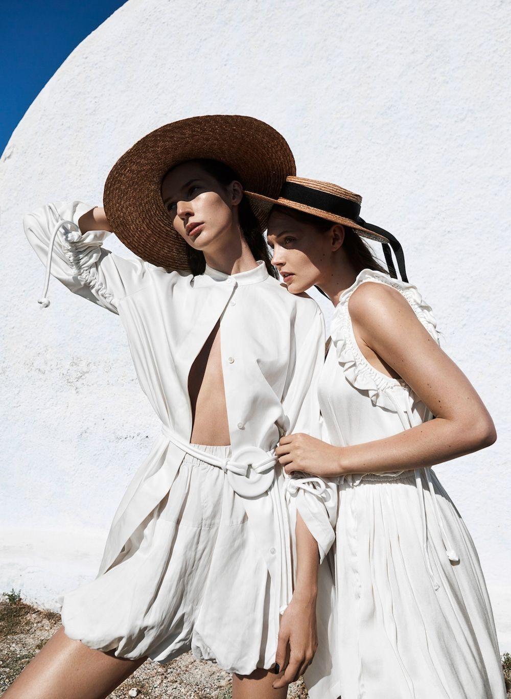 Angelika Maciolek u Karolina Laczkowska Are White Delights For Viva
