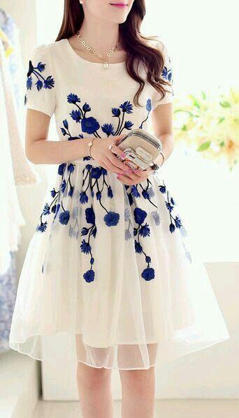 Vestido blanco floreado