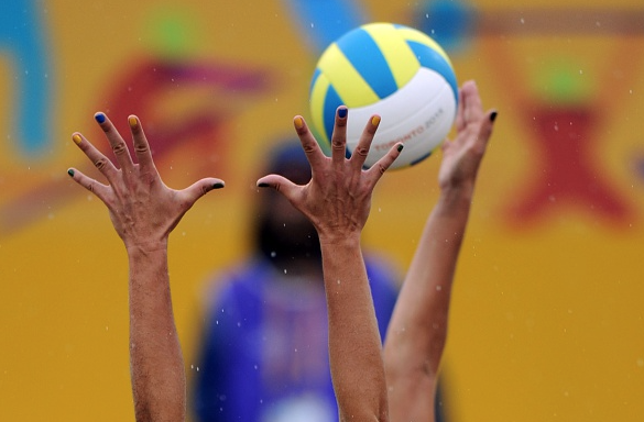 Brazilian Players Liliane Maestrini Vies For The Ball With Pilar Mardones Of Chile During The Women S Beach Volleyba American Games Beach Volleyball Volleyball