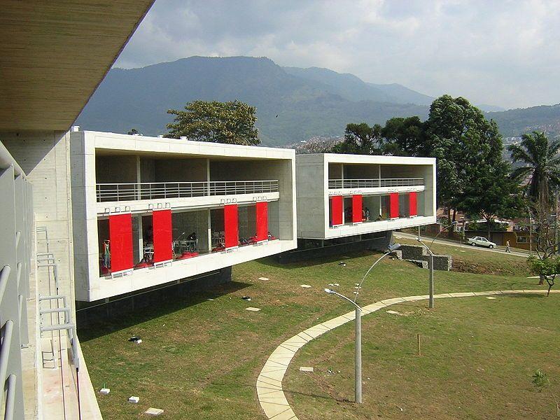 Medellín Hermosos paisajes, Arquitectura, Cascadas