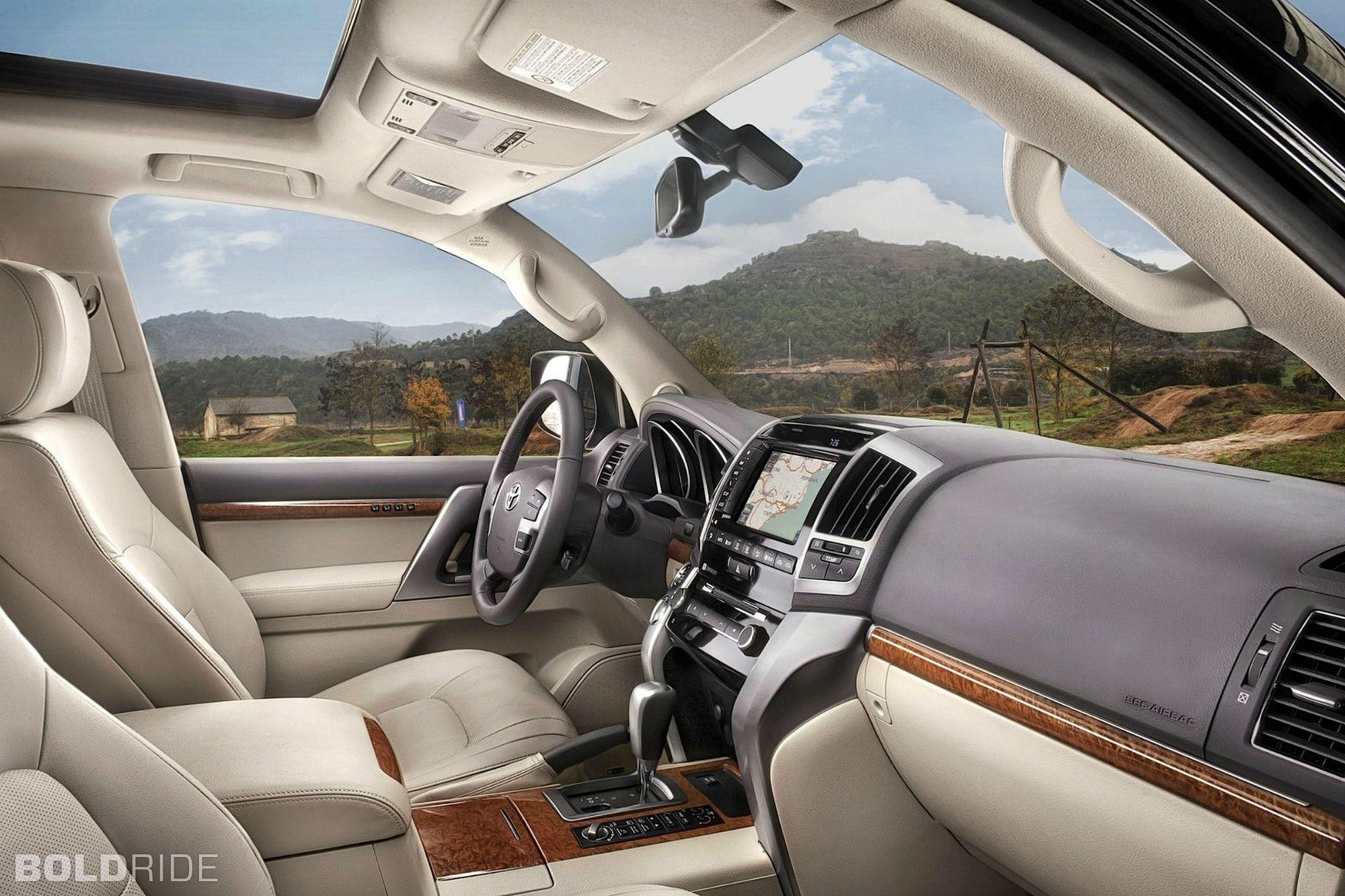 2018 Toyota Land Cruiser Interior Changes