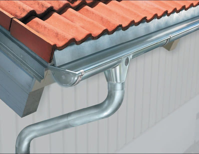 Drainage Gutters System Types Roof Repair Diy Gutters How To Install Gutters