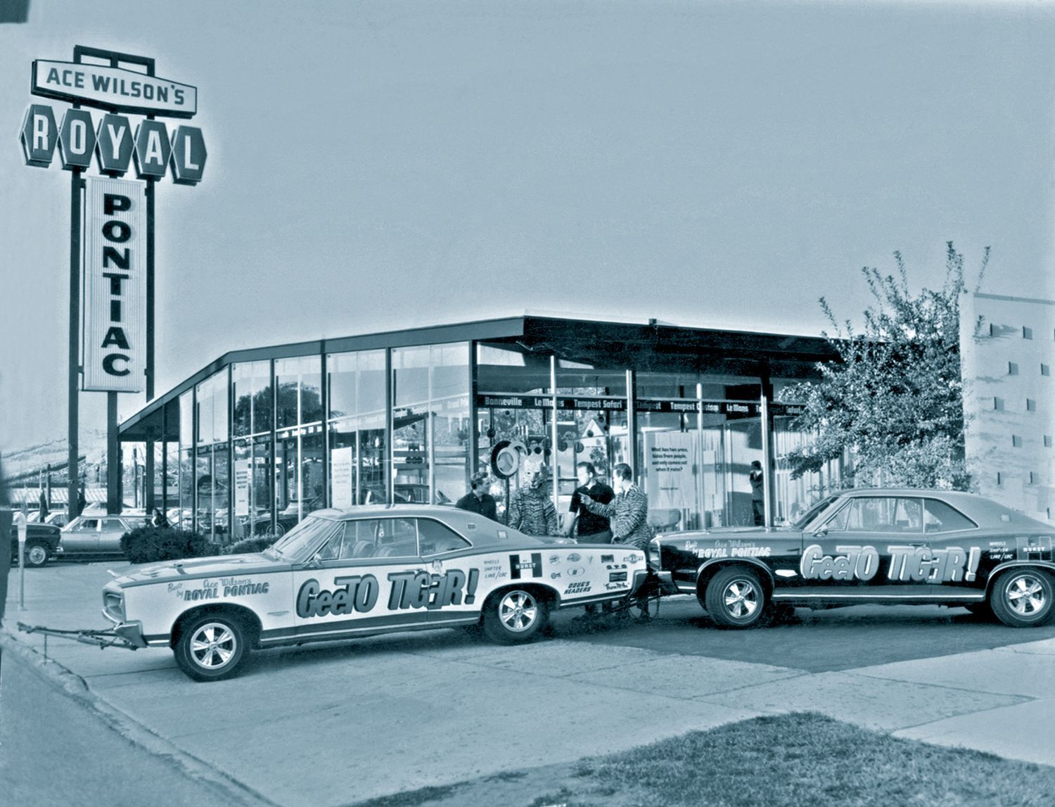 1966 Ace Wilson's Royal Pontiac Dealership, Royal Oak, Michigan ...