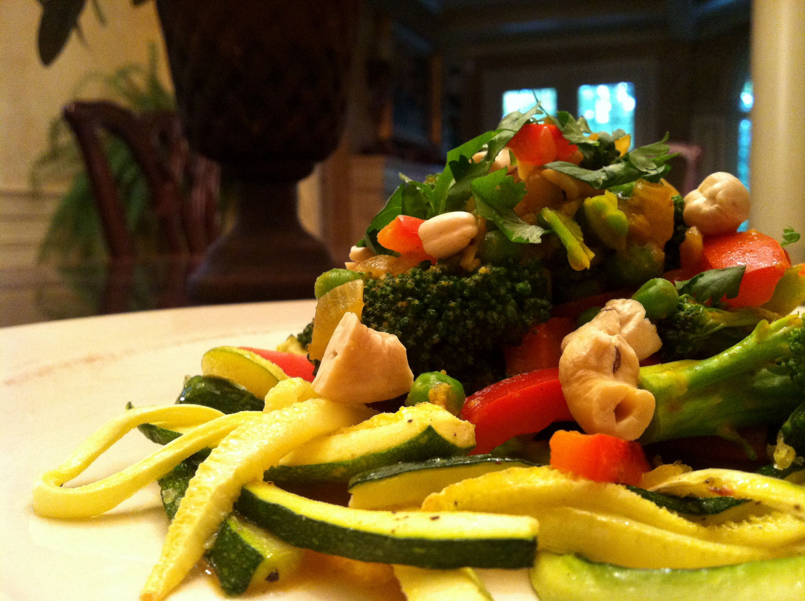 Veggie Curry Zucchini Pasta! Gluten Free, Vegan, Body Ecology Diet, Specific Carb Diet SCD Friendly!  glutenfreehappytummy