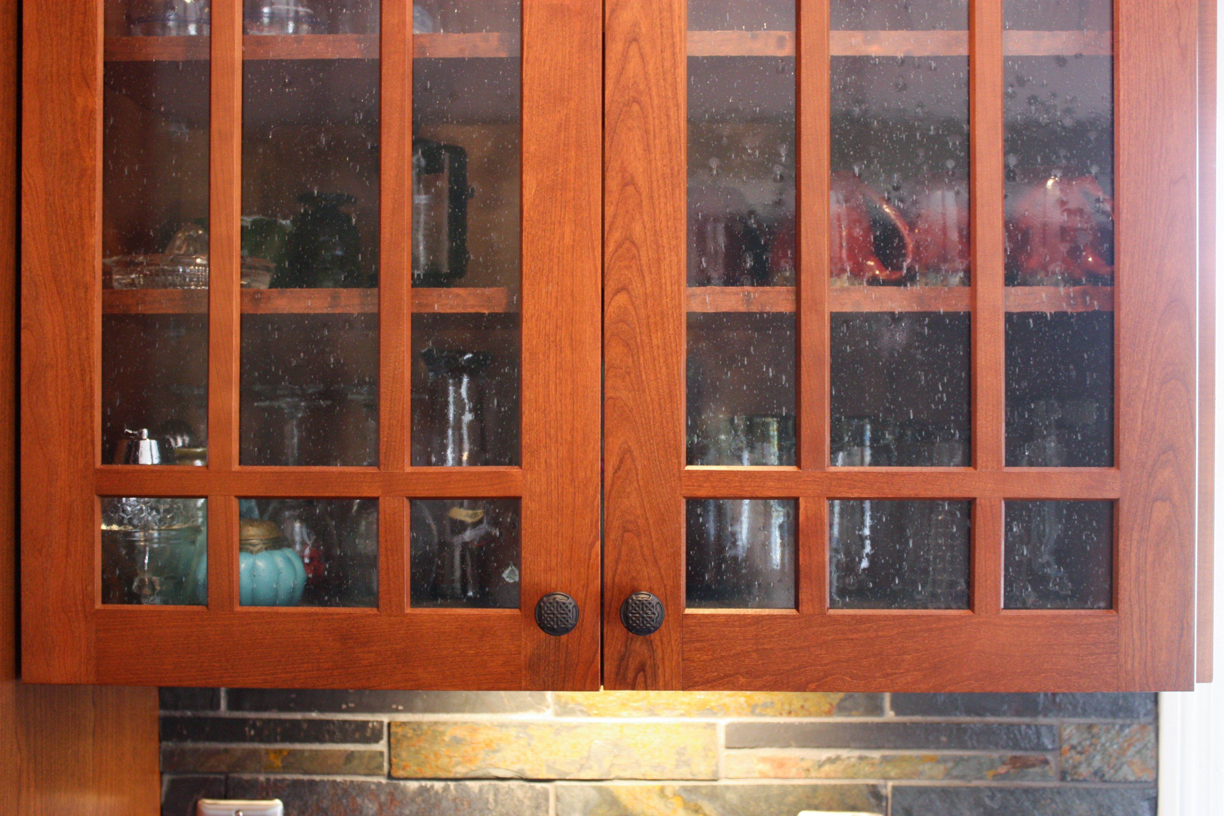 Mullion Doors With Seeded Glass Kitchen Design Cabinet Detailing Design