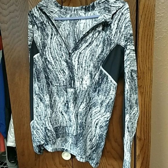 Lululemon runbeam hoodie 10 Excellent used condition Thumbholes and pony tail hole in hood Still on website for $98 lululemon athletica Tops