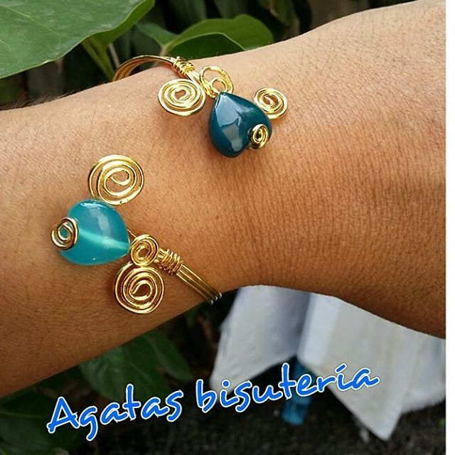 #alambrismo pulsera con corazones en agatas