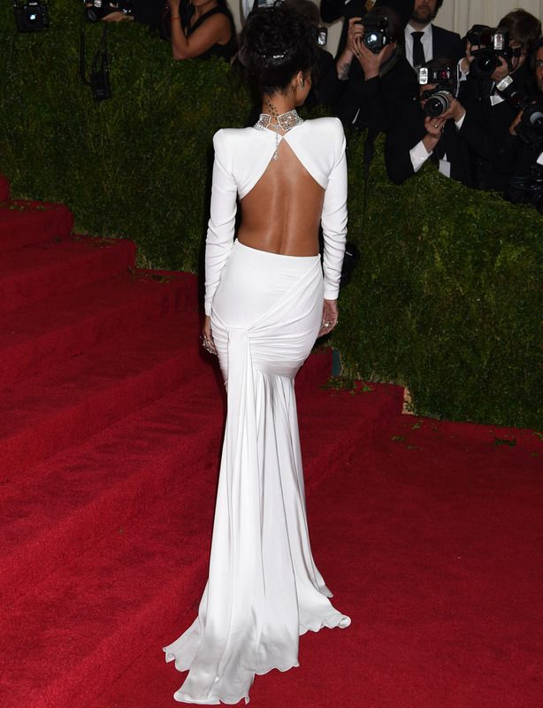 Rihanna MET 2014- I am obssesed with rihanna's met gala outfit!