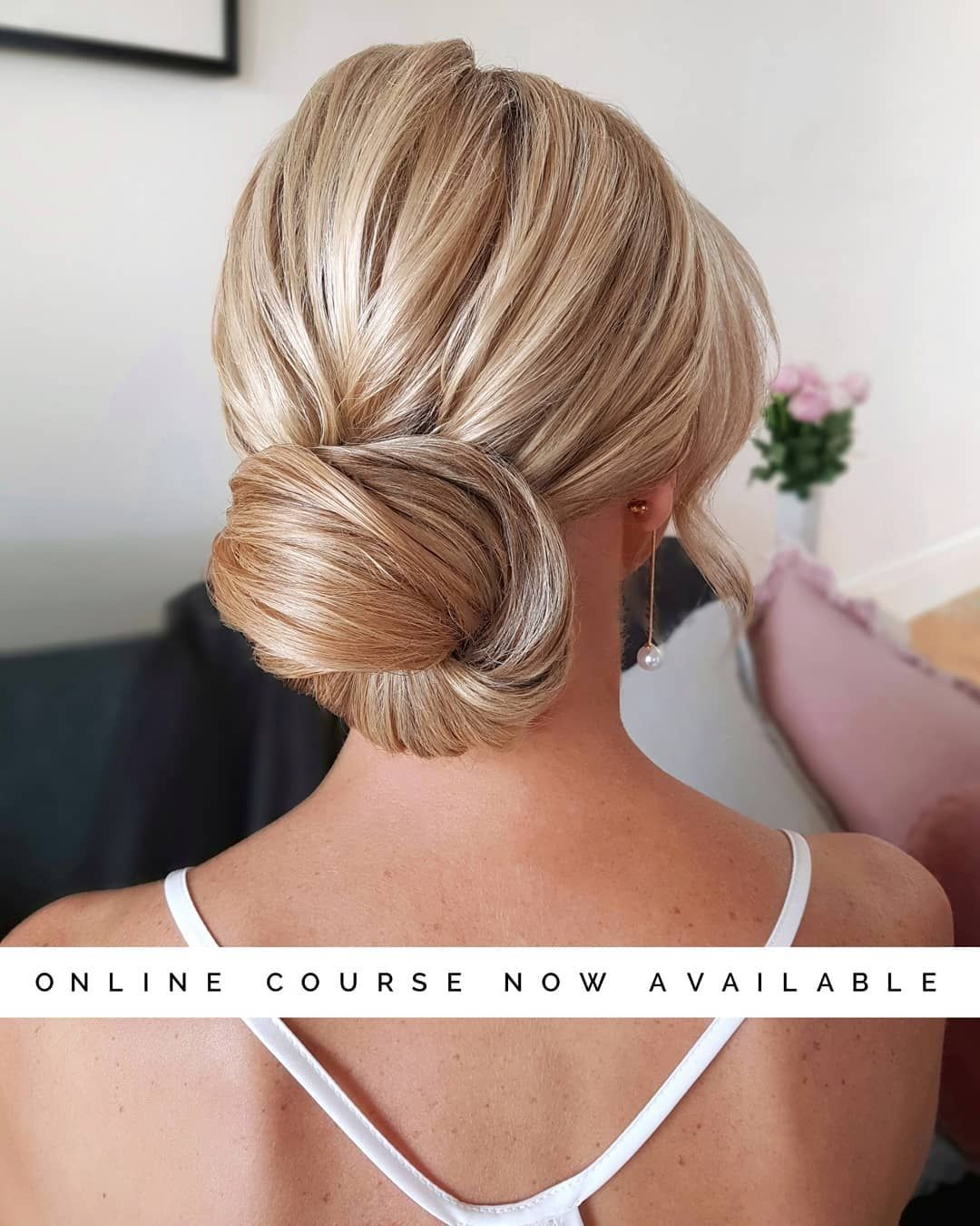 Melbourne Hair Stylist On Instagram Learn How To Master This Timeless And Classic Low Bun Currently Trending And Highly Requested So Many P Haruppsattning