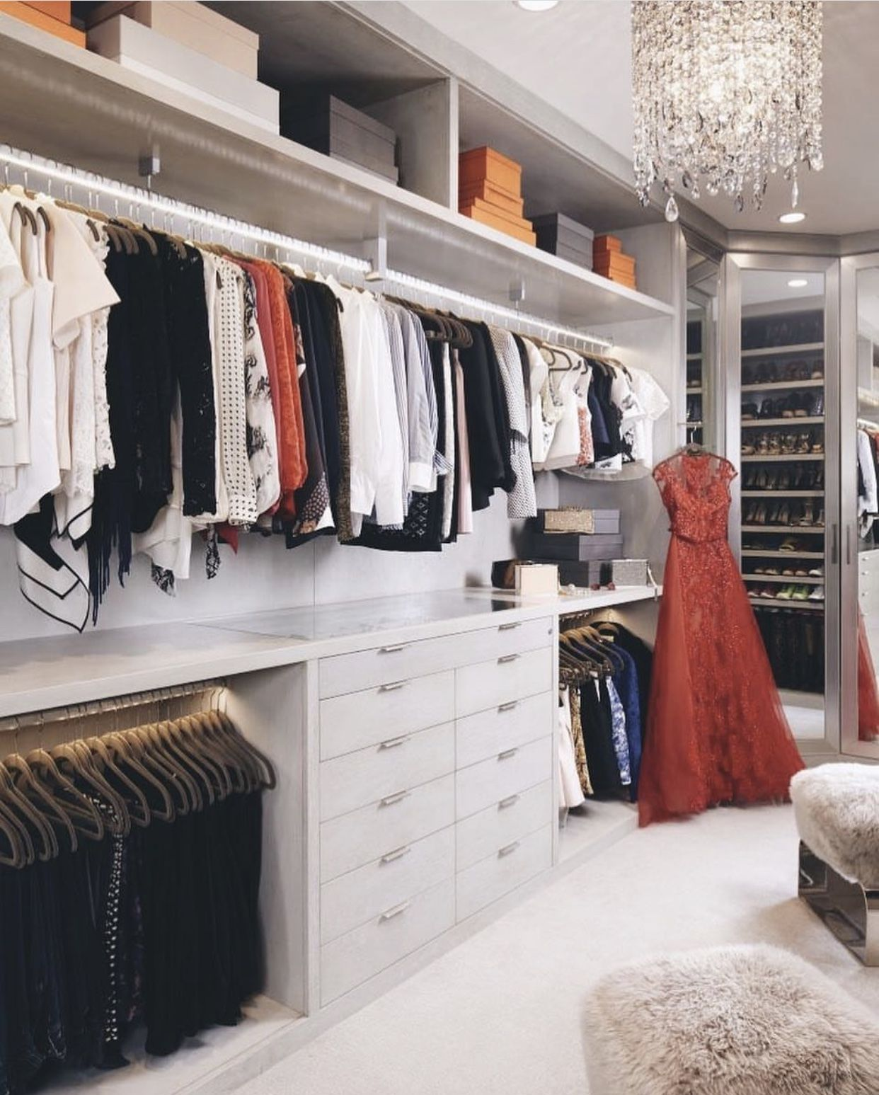 Designing A Walk In Wardrobe