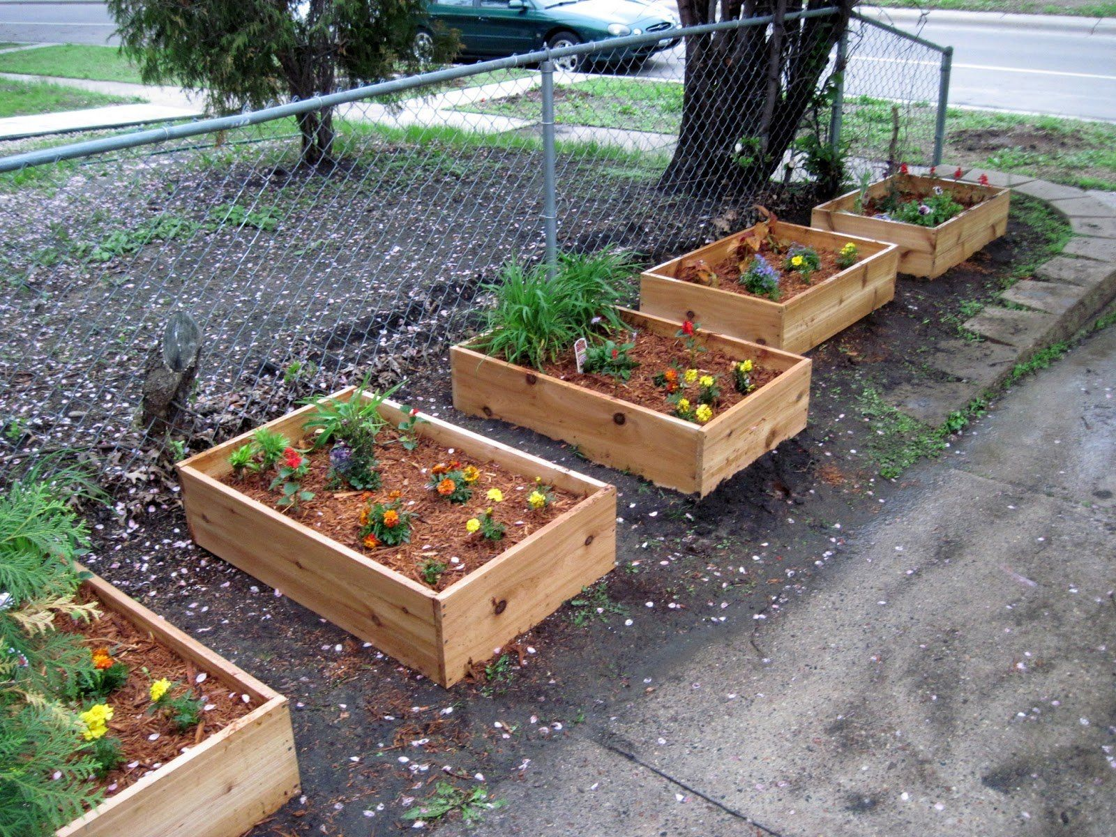 Furniture Simple And Easy Small Diy Wood Planter Box Using 400 x 300