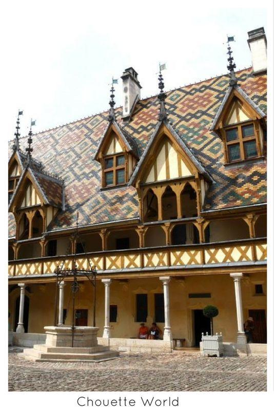 Hospices de Beaune, Hôtel Dieu, Beaune, Côte du0027Or  toit bourguignon