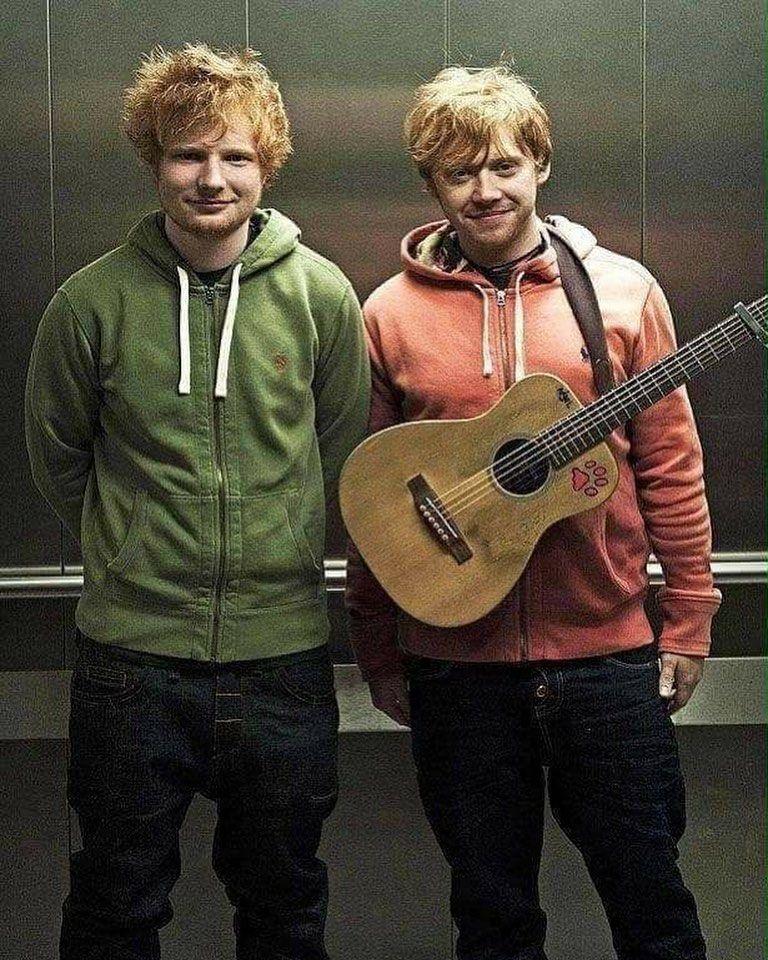 Very Twins Tag A Friend A Potterhead Olucasbrito En 2020 Actores De Harry Potter Harry Potter Memes De Harry Potter