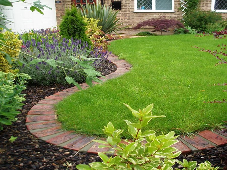 there are several types of garden edging ideas the most popular ones is plastic pieces