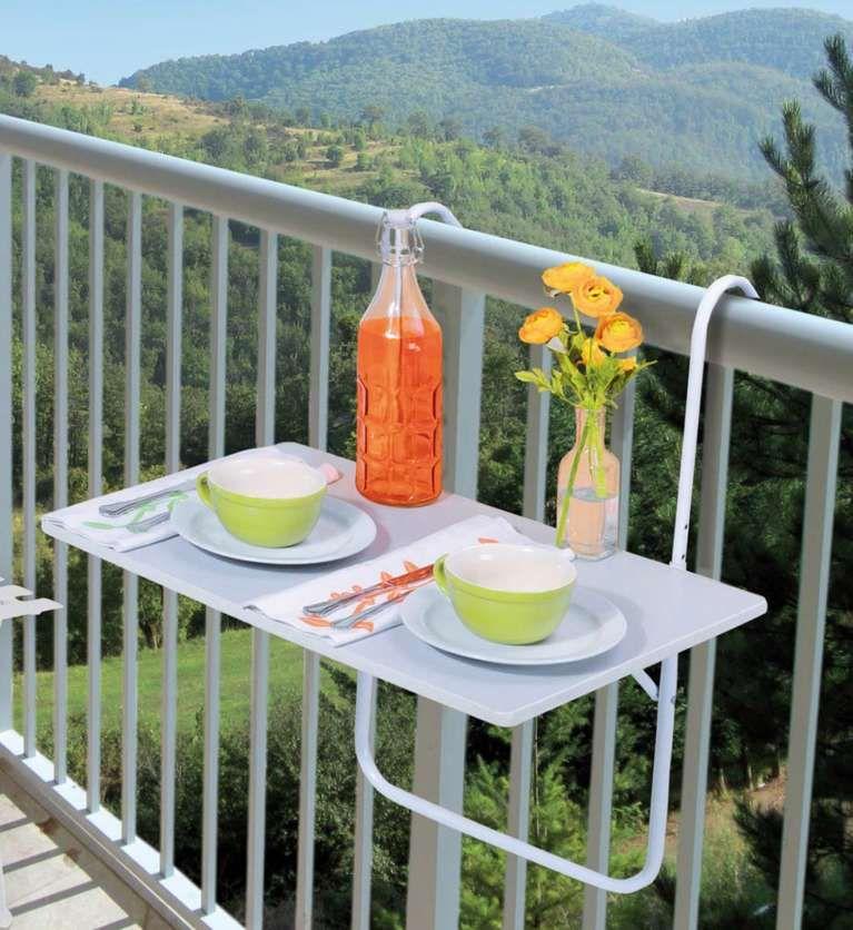 Idee per arredare un balcone piccolo - Tavolino e sedie
