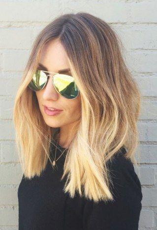 Ohne Viel Schnickschnack 4 Genial Einfache Frisuren Mit Mittelscheitel Mittelscheitel Frisuren Blonde Haare Ombre Blonde Haare