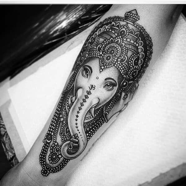 Buddhist Elephant Tattoo Meaning: Pin By Moreno Acedo On Tatoos