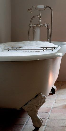 Claw Foot Bathtub With Hand Held Shower Attachment French