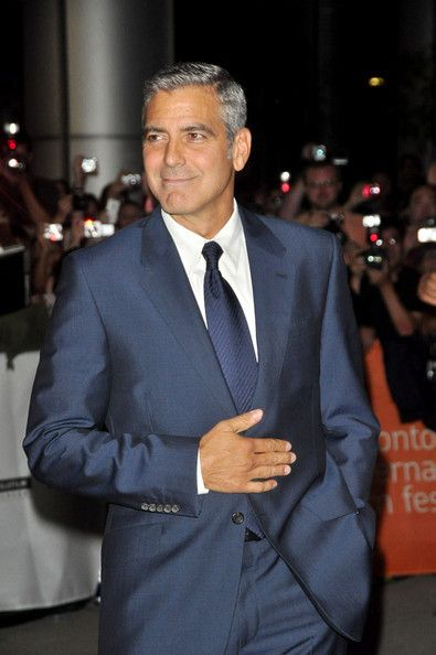7f58bf001a750 George Clooney.- Looking more like his Dad each day!