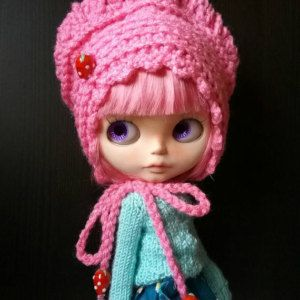 Crochet Hat for Blythe Dolls by Debbie Aponte at My Beautiful Blythe