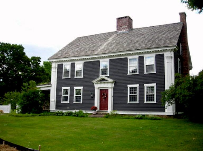 Charcoal Grey house with Red Door House siding Pinterest - persianas para exterior