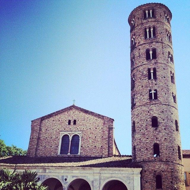 @marcomiccoli Sant'Apollinare Nuovo via di Roma Ravenna | MyTurismoER: Ravenna attraverso lo sguardo fotografico di @Sara Baraccani e @marcomiccoli